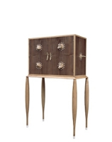 cabinet de curiosit contemporain. Black Bedroom Furniture Sets. Home Design Ideas